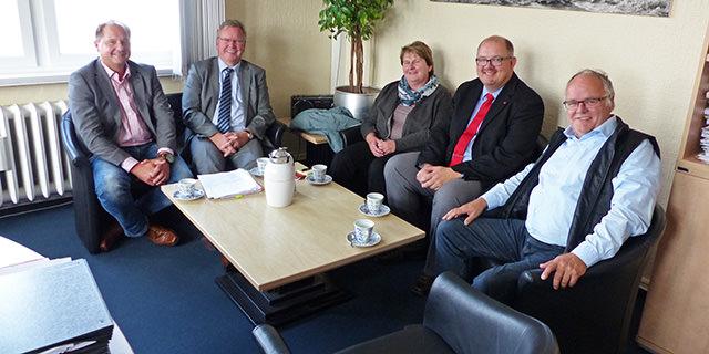 Johanne Modder zu Besuch bei Bürgermeister Lübben